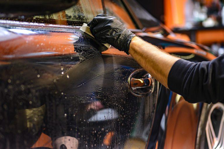 franquias automotivas imagem ilustrativa limpeza carro