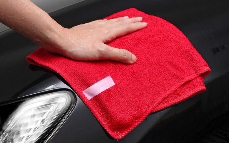 franquias automotivas imagem ilustrativa limpeza lataria carro