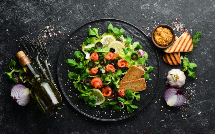 Franquias baratas de alimentação: representação de um prato saudável