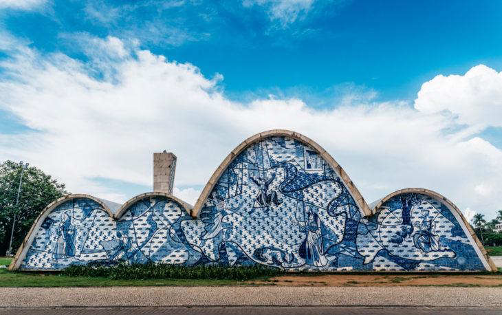 Céu azul e igrejinha da Pampulha franquias baratas e lucrativas em Bh